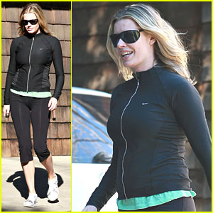 Rebecca Romijn's Incredible Shrinking Belly