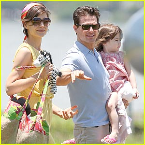 Suri Cruise Reaches Helicopter Heights