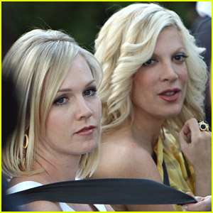 Tori Spelling and Jennie Garth Nail 90210