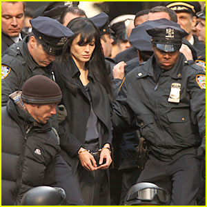 Angelina Jolie: Arrested!!!