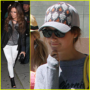 Ashley Tisdale is a Hyper Viper
