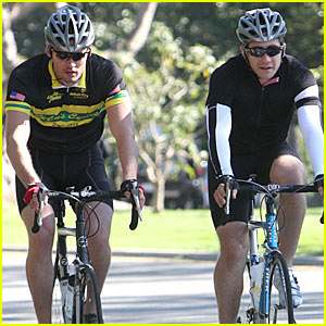 Jake Gyllenhaal & Austin Nichols are Biking Buddies