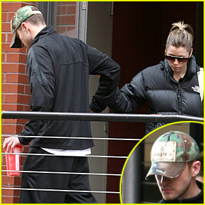 Justin Timberlake & Jessica Biel: Heads Down Low!