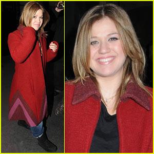 Kelly Clarkson Rehearses 'Saturday Night Live'