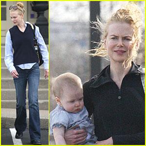 Nicole Kidman Has a Sunday Stroll