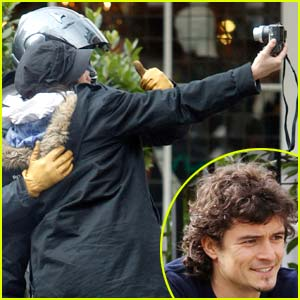 Orlando Bloom: Thumbs Up!