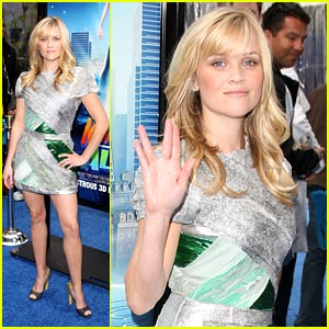 Reese Witherspoon: Blue Carpet Birthday Girl