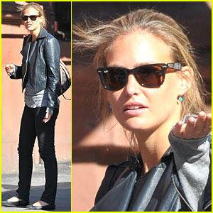 Bar Refaeli is a Best Buy Babe