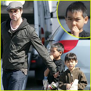 Brad Pitt is a Dunkin' Donuts Dude