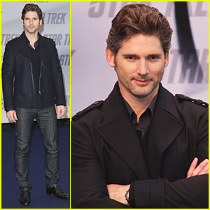Eric Bana Wows At Warp Speed