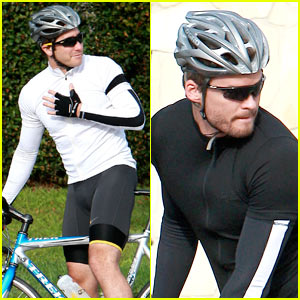 Jake Gyllenhaal &  Austin Nichols: Bicycle Buds