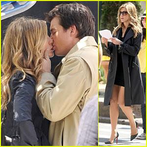 Jennifer Aniston & Jason Bateman: Kissing Couple