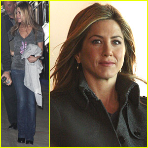 Jennifer Aniston Meets The Makeup Trailer