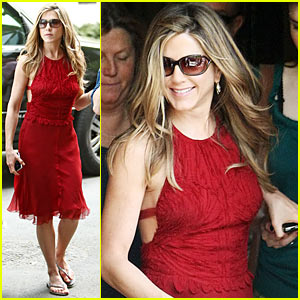 Jennifer Aniston: Red Hot Baster Babe
