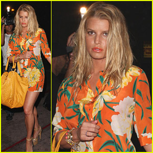 Jessica Simpson Basks In Beso