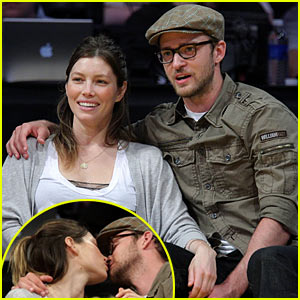 Justin Timberlake &#038; Jessica Biel: Kissing Camera Couple!