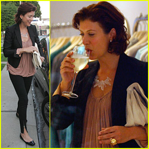 Kate Walsh Sips And Shops