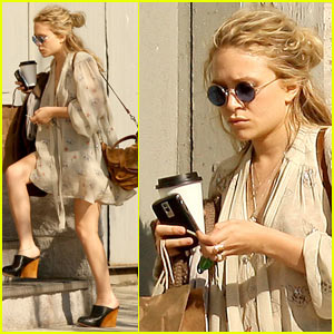 Mary-Kate Olsen is Pantless Pretty