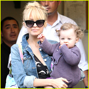 Nicole Richie Has a Lovely Lunch