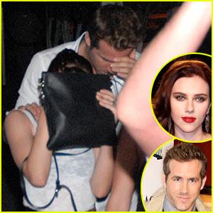 Scarlett Johansson & Ryan Reynolds: Acapulco Couple