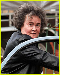 Susan Boyle Gets Her Eyebrows Plucked