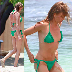 Cameron Diaz is a Green Bikini Babe