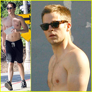 Chris Pine is Shirtless, Picks His Nose