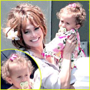 Jennifer Lopez: Here's Emme Anthony!