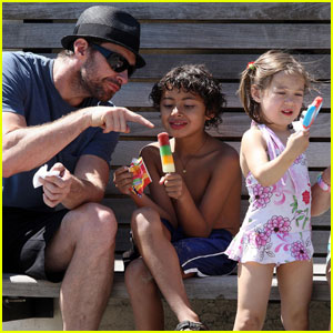 Hugh Jackman is a Popscicle Parent