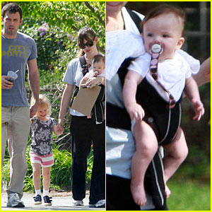 Jennifer Garner & Ben Affleck: Family Friday!