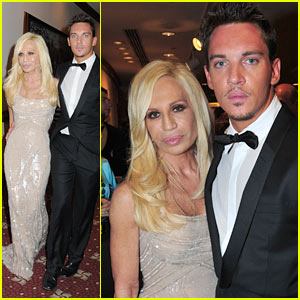 Jonathan Rhys Myers Hits White House Correspondents Dinner