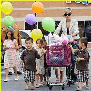Kate Gosselin & Party City Plus 8