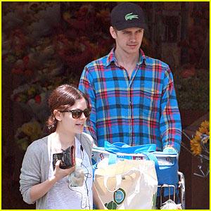 Rachel Bilson & Hayden Christensen: Grabbin' Groceries