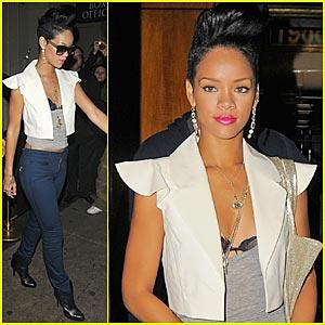Rihanna is a Basketball Babe