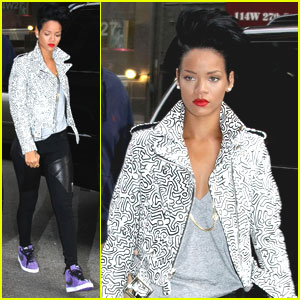 Rihanna Looks Perfecto