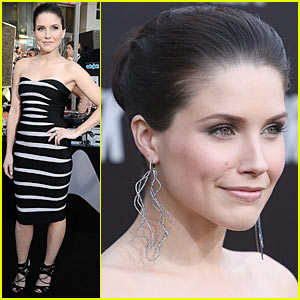 Sophia Bush is Star Trek Strapless