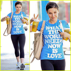Sophia Bush: The World Needs Love!