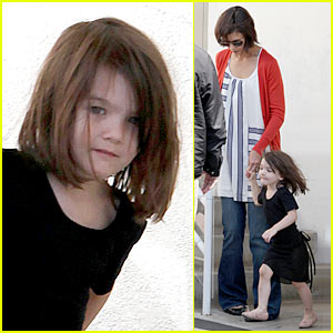 Suri Cruise Dances Like There's No Tomorrow
