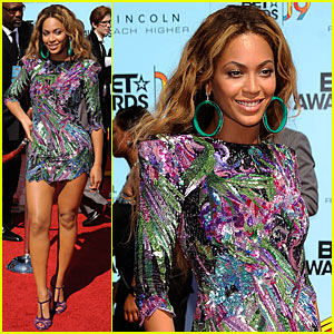 Beyonce Knowles Hits BET Awards 2009