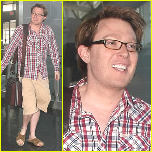 Clay Aiken To Celebrate First Father's Day