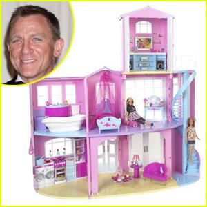 Daniel Craig Builds His 'Dream House'