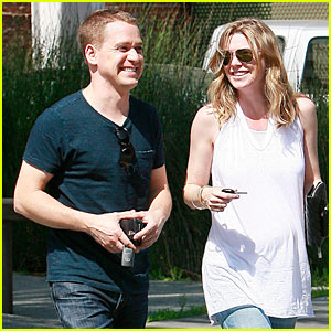 Ellen Pompeo & T.R. Knight: Furniture Friends