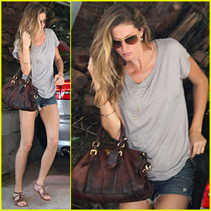 gisele bundchen pregnant pretty Related tags: married sex forums, mom fucking young son video, ...
