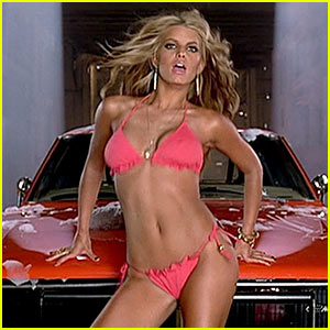 Jessica Simpson Pays The Price Of Beauty