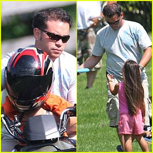 Jon Gosselin Has Frisbee Fun with Kids