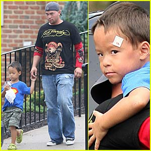 Jon Gosselin Rushes Son To Hospital