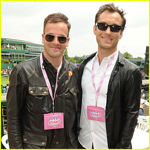 Jude Law & Jonny Lee Miller: Wimbledon Watchers