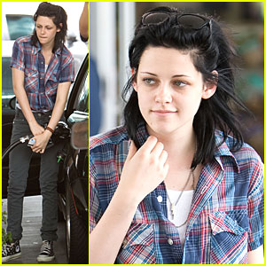Kristen Stewart is a Plaid Pumper