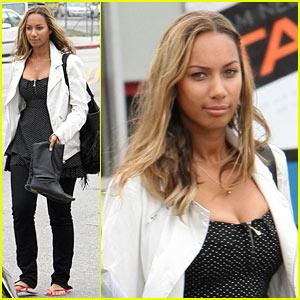 Leona Lewis is Mani-Pedi Magnificent