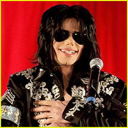 Michael Jackson Suffers Cardiac Arrest